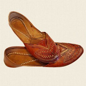 Traditional handmade Indian leather bohemian shoes